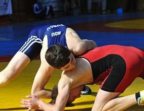 България без медали в първия ден на световното първенство по борба за кадети