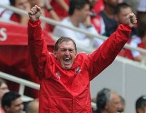 Кени Далглиш записа успех номер 200 начело на Ливърпул