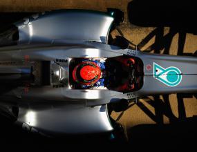 Мерцедес очакват титла във Ф1 до 2014 г.