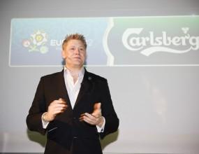 Carlsberg сервира 1 000 000 бири за 15 минути по време на Евро 2012