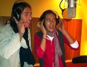 Серхио Рамос става певец (видео)