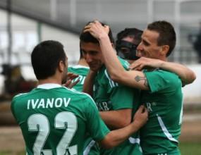 Лудогорец не дава мира на ЦСКА - продължава битката за титлата след здрав бой над Монтана (видео)