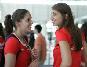 Волейболистките заминаха за Турция, Райс Мболи и Ивелин Попов им правят компания