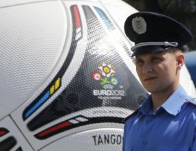 УЕФА: Няма да местим Евро 2012 от Украйна