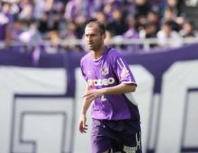 Коловати остава във футбола като играч по футзал в японска регионална лига