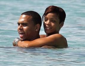 Заедно ли са Риана и Крис Браун?