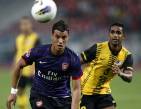Без Ван Перси Арсенал успя да победи след обрат в последните три минути (видео)