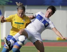 Красиви голове на женски мач между Бразилия и Италия (видео)