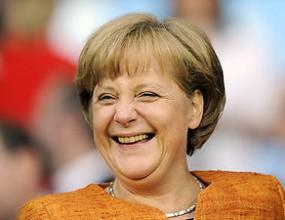 Ангела Меркел: Фетел си гарантира място в историята на Формула 1