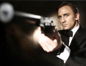 """Сър Алекс покани Джеймс Бонд на """"Олд Трафорд"""""""