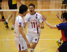 Миро Градинаров с 16 точки, ФК Токио с 10-та загуба в Япония