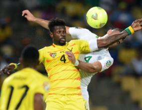Защитник на Алжир чупи врата срещу Того (видео)
