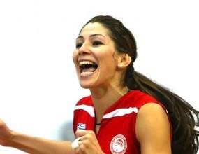 Ради Тенева с 10 точки, Олимпиакос с 13-та победа в Гърция