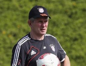Хайнкес: Имам 20 футболисти, които заслужават да са титуляри