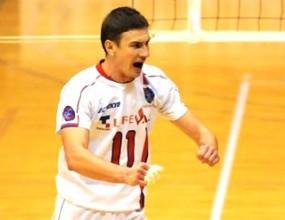 Страхотен Миро Градинаров с 35 точки, ФК Токио с 6-та победа в Япония