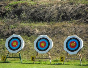 40 състезатели участваха в десетия републикански турнир по стрелба с лък