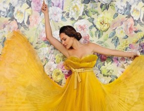 Нежната Кели Брук украси корицата на списание (снимки)
