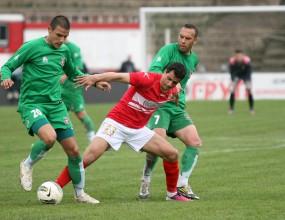 Обяснението на съдията защо не е дал червен картон на Костадин Стоянов