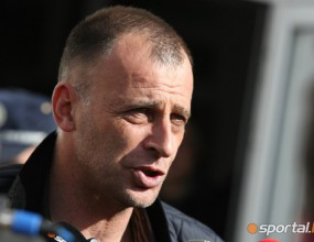 Вижте как Сухия мята картоните на четвъртия съдия във Враца (видео + снимки)