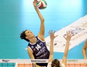 MVP Николова завърши редовния сезон със загуба