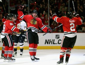 Чикаго спечели първата плейофна квота в НХЛ