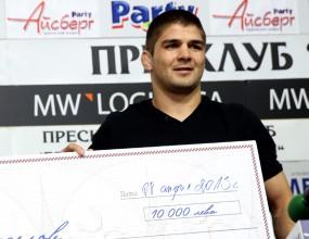 Иво Ангелов получи чек за европейската титла по борба