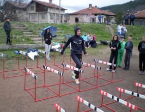 Стамболова бяга препятствия с деца
