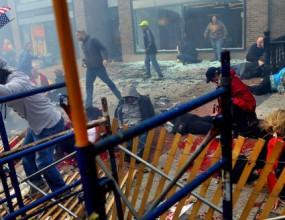 Бомби окървавиха маратона в Бостън, над 100 ранени и трима загинали (снимки и видео)