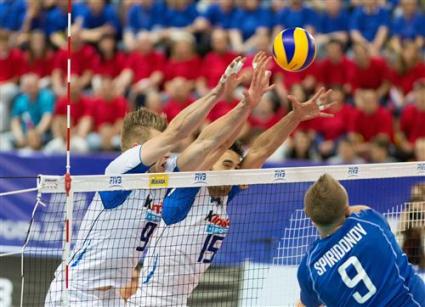 Русия би Италия с 3:2 в петгеймов драматичен сблъсък в Сургут