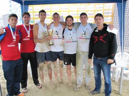 Кордев и Грозданов спечелиха Купата на Сердика център след дъждовно шоу