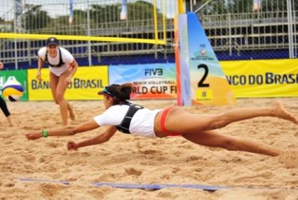 Варненки ще представят България на евро 2013 по бийч волей във Вилнюс