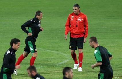 България направи официална тренировка преди Италия