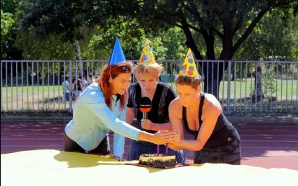 """Джина Стоева празнува рожден ден  в предаването """"Авантаж"""" на Sportal.bg (ВИДЕО)"""