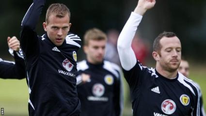 Шотландия ще бъде без Роудс и Адам срещу Македония