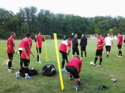 Локо (Пд) прави открита тренировка преди дербито