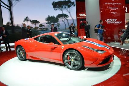 Да срещнеш Ferrari 458 Speciale (Видео)