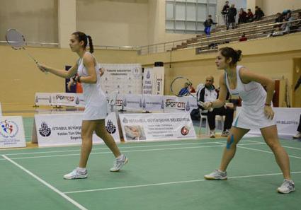 Сестри Стоеви се класираха за финала на откритото първенство на България
