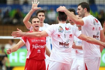 Цецо Соколов заби 25 точки (3 аса, 4 блока), но Тренто загуби от Модена с 2:3 (ВИДЕО + ГАЛЕРИЯ)
