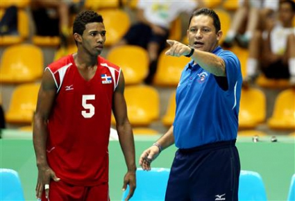Осиел Васкес: Mомчетата ми имат малко международен опит и изпитват напрежение срещу топ отбори