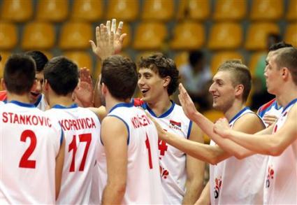 Сърбия, Русия и Иран продължават с победите на Мондиала в Бразилия