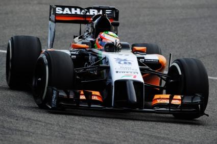 Серхио Перес отново най-бърз на теста в Бахрейн