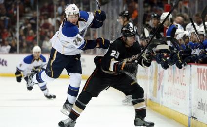 Анахайм продължи доминацията си в НХЛ