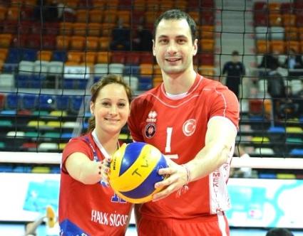 Матей Казийски и Деси Николова рекламират Final 4 на ШЛ в Анкара