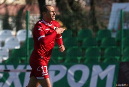 Марто Петров даде пример как трябва да се защитава фланелката на ЦСКА