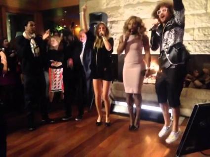 Азаренка, Серина и Монфис пеят на караоке (видео)