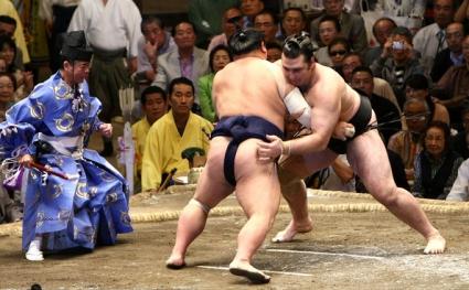 Котоошу срещу Кайсей в първия кръг в Осака