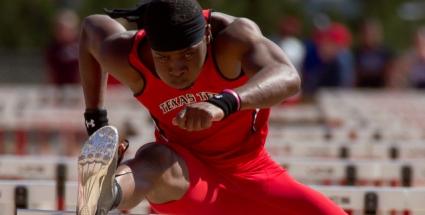 Осагей триумфира в спринта на 60 метра с препятствия