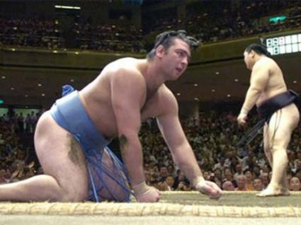 Котоошу с първа загуба в Осака, Аоияма записа победа