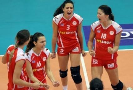 Ради Тенева и Олимпиакос изравниха във финала в Гърция
