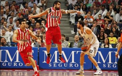 Олимпиакос и Панатинайкос запазиха шансове за Финалната четворка